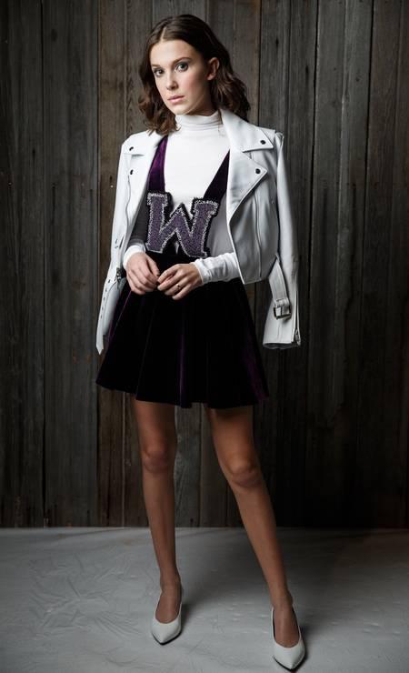 Millie Bobby Brown, queridinha do estilista Raf Simons, também compareceu Foto: Kelly Taub/BFA.com/Divulgação