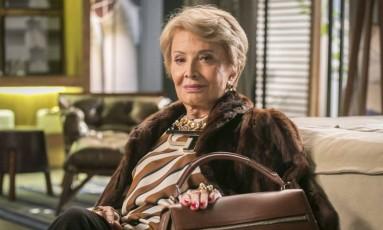 A atriz no papel de Stelinha em seu último trabalho na TV, a novela 'Totalmente demais' de 2015.. Foto: Paulo Belote / Infoglobo