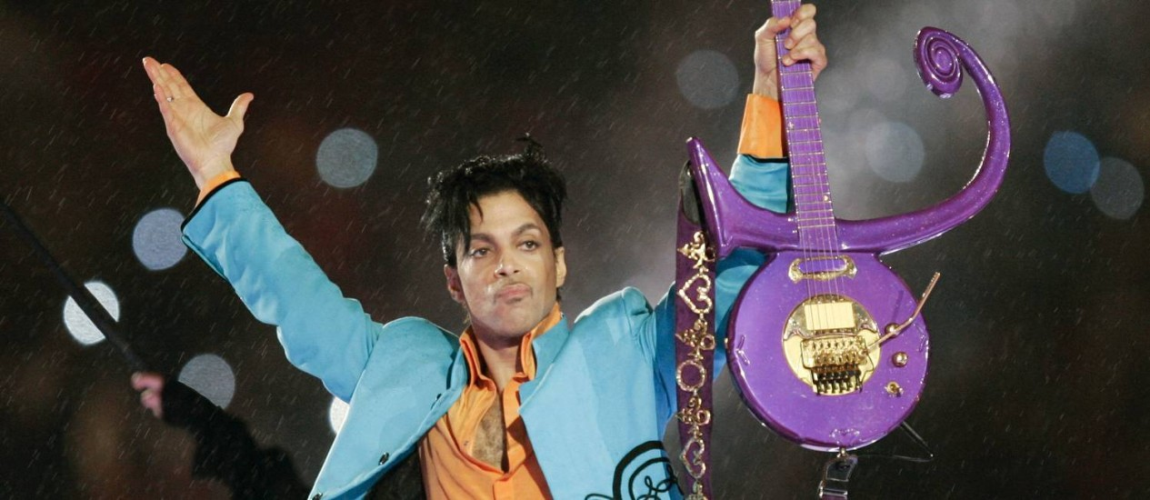 Prince, em 2007, durante show no intervalo do Super Bowl, em Miami Foto: Chris O'Mears / AP
