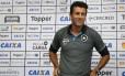 Alberto Valentim assinou até o fim de 2019 Foto: Vicor Silva/ Botafogo