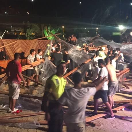 Estrutura de casa de shows desaba na Barra da Tijuca Foto: Reprodução/redes sociais