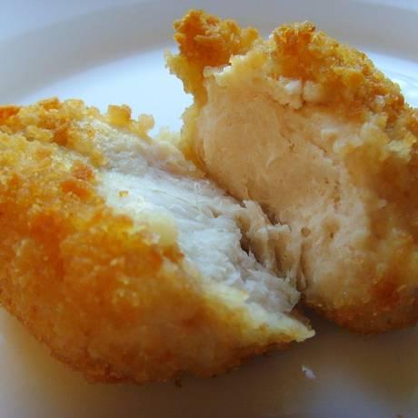 Frango empanado é um alimento considerado ultraprocessado pelos pesquisadores da universidade de Sorbonne Foto: Pixabay