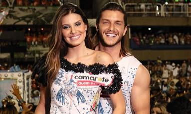 Camila Queiroz e Klebber Toledo no Camarote Quem/O Globo Foto: Fred Othero