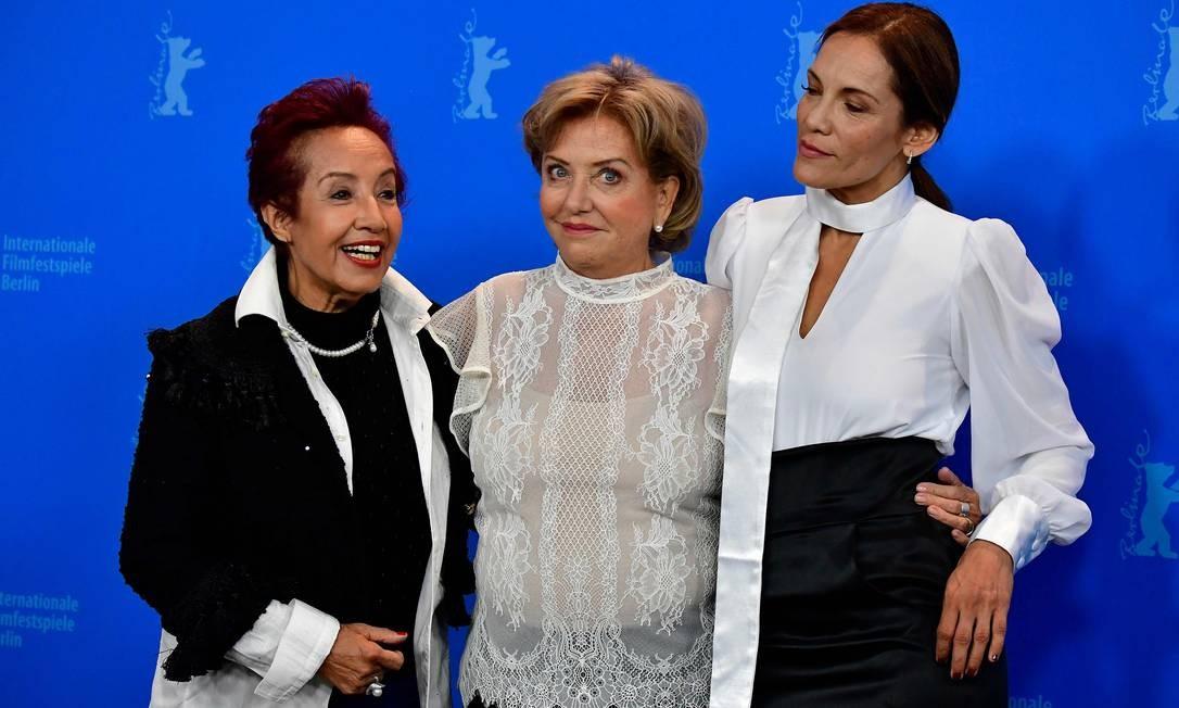 Atrizes Margarita Irun, Ana Brun e Ana Ivanova durante lançamento do filme paraguaio 'Las herederas', no Festival de Berlim Foto: TOBIAS SCHWARZ / AFP