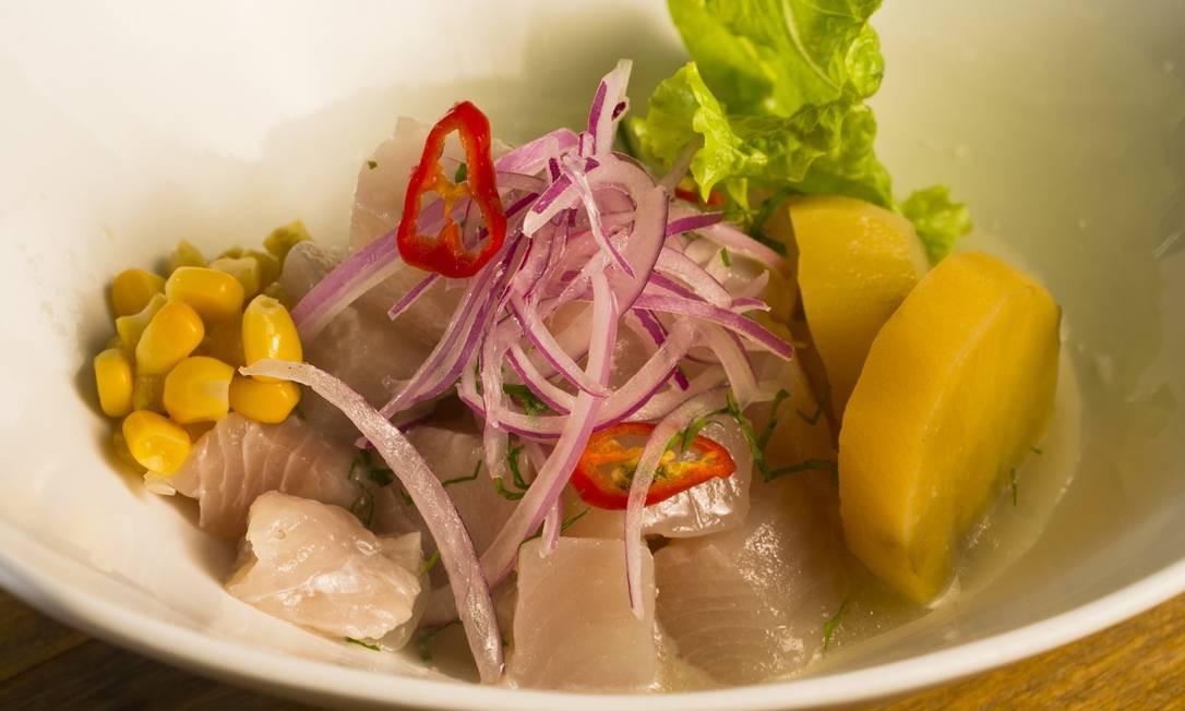 O Lima Cocina Peruana oferece ceviche peruano (R$ 14) e grelhados de filé mignon (R$ 34), contrafilé (R$ 25), salmão (R$ 34), peixe do dia (R$ 27) e peito de frango (R$ 21). Todos os grelhados são servidos com dois acompanhamentos e o menu inclui sobremesa do dia. Rua Visconde de Caravelas 89, Botafogo (3647-3411). Seg a sex, do meio-dia 12h às 15h. Foto: Pagano / Divulgação