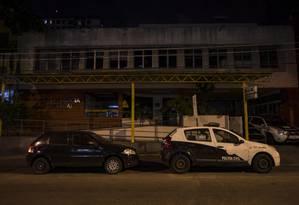 Delegacia do Meier sem luz. Imagem de 16/02/2018. Foto: Alexandre Cassiano / Agência O Globo