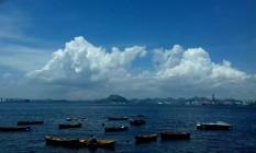 Céu parcialmente nublado no Aterro do Flamengo Foto: Marcos de Paula / Agência O Globo