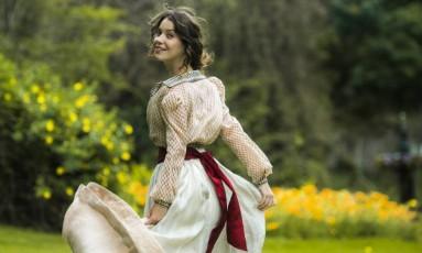 Nathalia Dill interpreta Elisabeta, a protagonista da trama Foto: TV Globo/Raquel Cunha / Divulgação