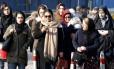 Cabeças cobertas. Iranianas usam o hijab em Teerã: dezenas já foram presas desde dezembro por desafiarem a obrigatoriedade de cobrir os cabelos Foto: ATTA KENARE / AFP