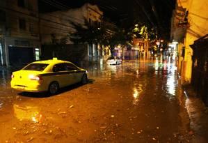 Rio pode ter chuva forte após temporal que caiu na cidade na madrugada desta quinta-feira Foto: Paulo Nicolella / Agência O Globo