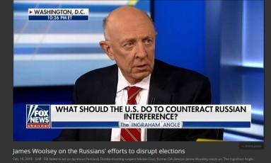 Ex-diretor da CIA James Woolsey Jr. comenta no canal Fox News as acusações à Rússia de interferirem na disputa pela eleição presidencial dos EUA de 2016 Foto: Reprodução/Fox News