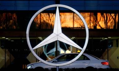 Logotipo da Mercedes-Benz, uma das marcas da Daimler Foto: Ralph Orlowski / REUTERS/24-1-2018