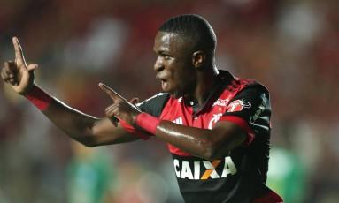 Vinícius Júnior comemora o segundo gol do Flamengo na vitória sobre o Boavista Foto: Marcio Alves