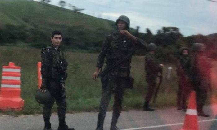 Forças de Segurança fazem operação na favela Kelson's no Rio
