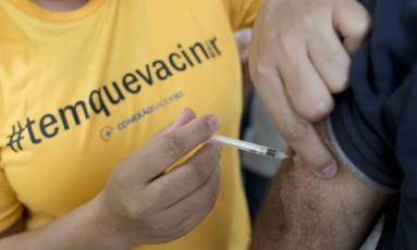 A vacinação contra a febre amarela continua no estado Foto: Márcia Foletto