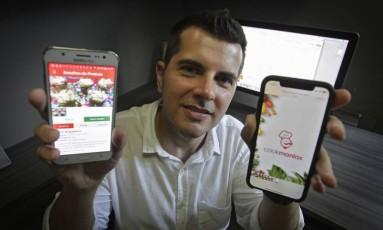 Neto Frossard teve a ideia do aplicativo depois de mudar-se de cidade Foto: Luiz Ackermann / Agência O Globo