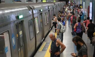 Concessionárias terão que aceitar compra de passagens no débito Foto: Custódio Coimbra / Agência O Globo