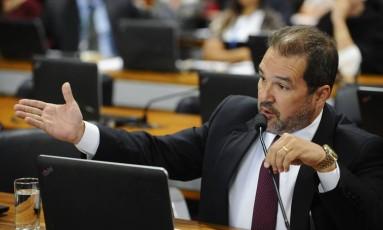 O senador Eduardo Lopes (PRB-RJ) participa de comissão do Senado Foto: Marcos Oliveira/Agência Senado/07-02-2018