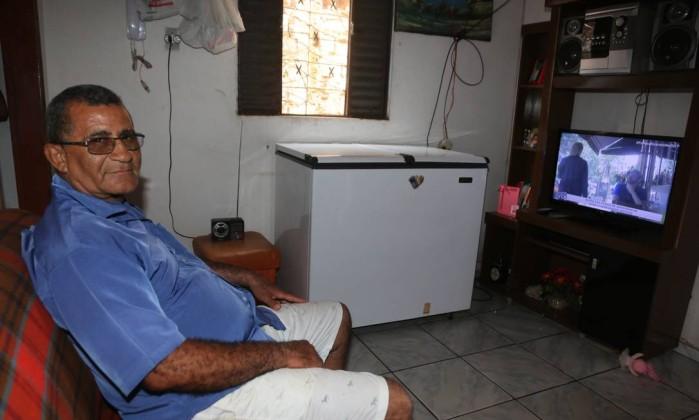 Quase metade dos lares brasileiros têm computador, aponta estudo