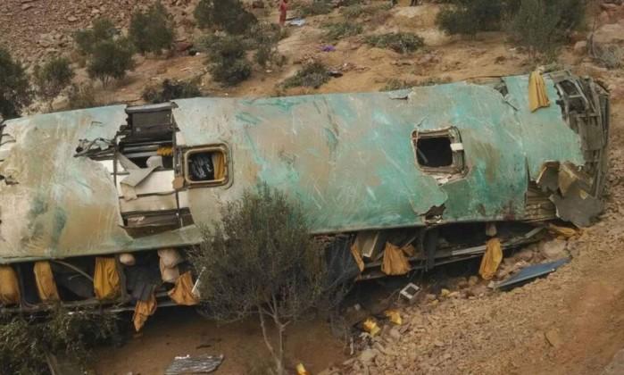 Acidente de ônibus deixa 44 mortos no Peru
