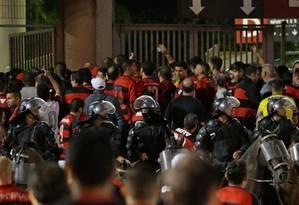 Confusão no jogo entre Flamengo x Independiente, em dezembro Foto: Márcio Alves / O Globo