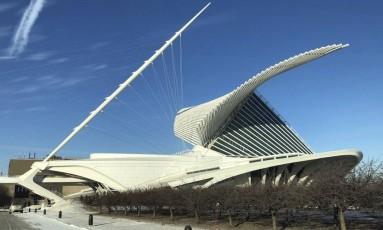 Formas. O Milwaukee Art Museum tem projeto do arquiteto espanhol Santiago Calatrava Foto: Henrique Gomes Batista / Extra