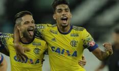 Diego e Lucas Paquetá marcaram os dois primeiros gols do Fla Foto: Alexandre Cassiano / Agência O Globo