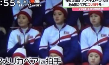 Torcedora norte-coreana aplaudiu entrada de atletas americanos Foto: Reprodução/YouTube