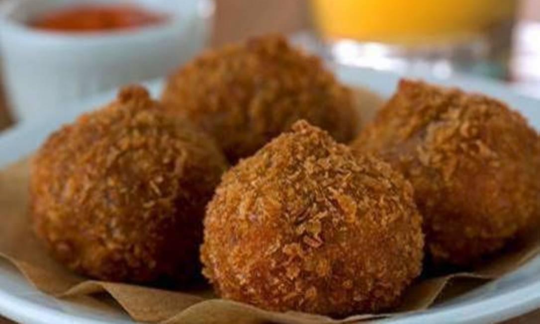 Cozinha Artagão. Não basta ser coxinha, tem que ser de frango com quiabo e requeijão(R$ 24, 4 unidades). Av. das Américas 4666, 147, Barra (2431-9389) Alexander Landau / Divulgação