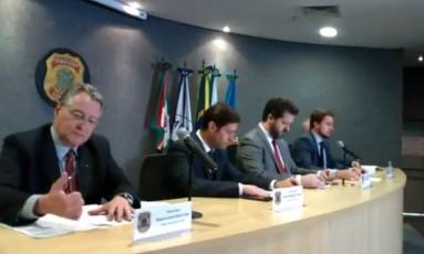 Delegados da Polícia Federal e procuradores detalham a 48ª fase da Lava-Jato Foto: Reprodução