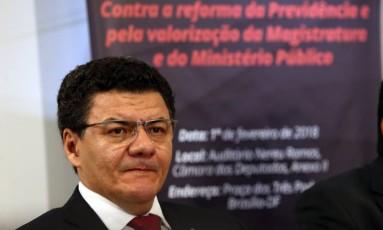 O presidente da Associação dos Juízes Federais do Brasil (Ajufe), Roberto Veloso, durante entrevista Foto: Givaldo Barbosa/Agência O Globo/31-01-2018