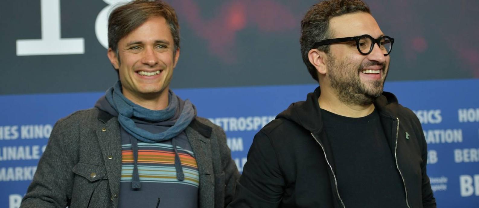 O ator Gael García Bernal e o diretor Alonso Ruizpalacios no lançamento de 'Museo', em Berlim Foto: STEFANIE LOOS / AFP