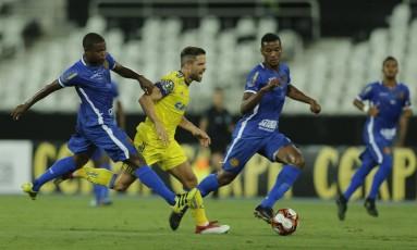 Flamengo e Madureira jogaram no estádio Nilton Santos Foto: Alexandre Cassiano / Agência O Globo