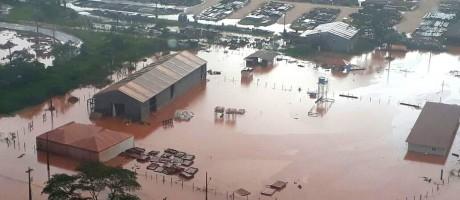 Área inundada em Bacarena, no Pará: coloração da água assustou moradores Foto: Divulgação/Semas