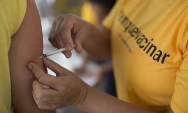 Vacinação contra a febre amarela segue em todo o Rio Foto: Márcia Foletto / Agência O Globo
