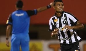 Kieza comemora o primeiro gol do Botafogo sobre o Nova Iguaçu Foto: Vitor Silva/SSPress/Botafogo