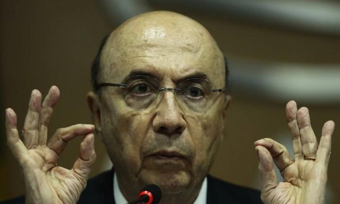 Sem reforma da Previdência, Fitch rebaixa nota de crédito do Brasil