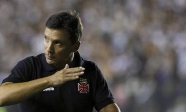 Zé Ricardo comanda o time na partida do Vasco contra o Jorge Wilstermann, em São Januário Foto: Marcelo Theobald / Agência O Globo/14-2-2018