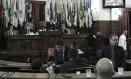 Plenário. Sessão da última terça-feira, presidida por Paulo Bagueira: vereador, que aparece como o terceiro mais faltoso de 2017, questiona critérios de avaliação do GVC Foto: Divulgação/sérgio gomes