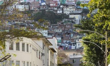O Morro Dona Marta, em Botafogo Foto: Leo Martins / Agência O Globo / 15-09-2017
