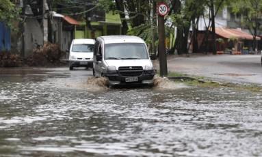Avenida Engenheiro de Souza Filho, em Rio das Pedras. Imagem de 23/02/2018 Foto: Márcio Alves / Agência O Globo