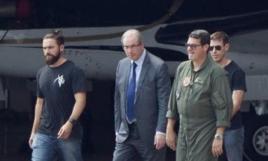 Lucas Valença, o 'Hipster da Federal', acompanha Eduardo Cunha Foto: Michael Melo / AP