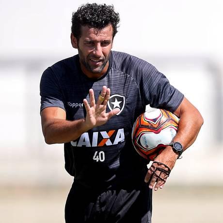 Alberto Valentim, técnico do Botafogo Foto: Vitor Silva / SSPress/Botafogo