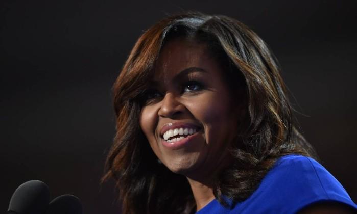 Michelle Obama lançará livro em novembro sobre suas memórias — Internacional