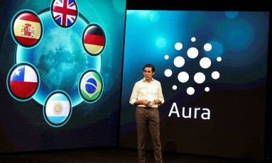 Diretor-executivo da Telefónica, Jose Maria Alvarez-Pallete, apresenta a Aura em evento realizado em Barcelona Foto: SERGIO PEREZ / REUTERS