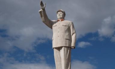 Estátua de Mao Tsé-Tung em Lijang Foto: Roy Niekerk / Wikimedia Commons