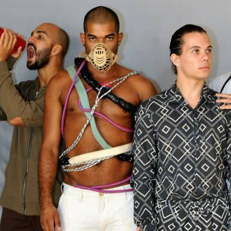 """Teatro Glaucio Gill recebe as quatro coreografias que compõem o espetáculo de dança contemporânea """"Paradigma"""" Foto: Divulgação"""