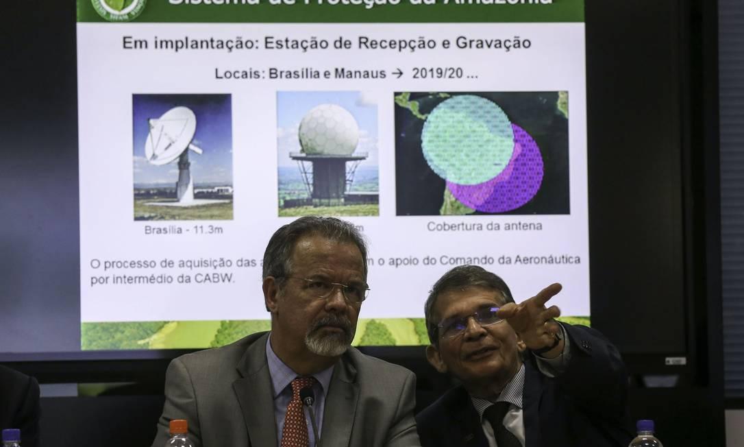 Raul Jungmann (à esquerda) e Joaquim Silva e Luna: mudanças no governo Foto: Fabio Rodrigues Pozzebom / Agência Brasil