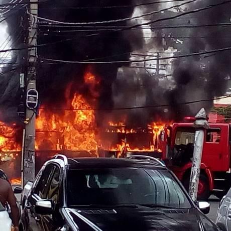 O fogo em chamas Foto: Redes sociais / Reprodução
