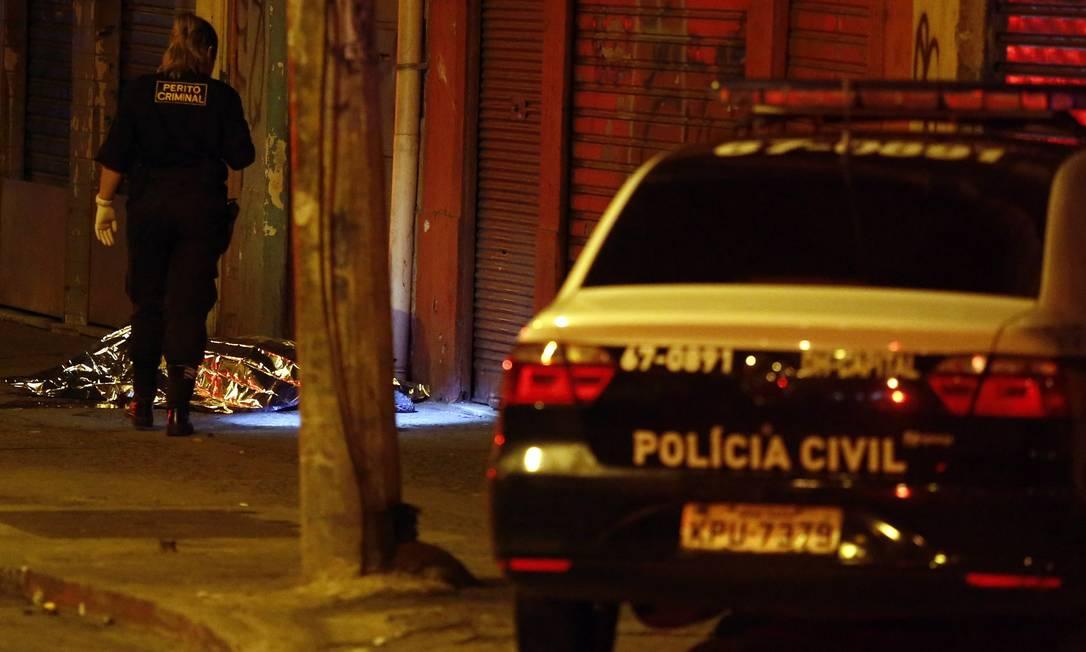Policial militar é assassinado a tiros em São Cristóvão (Arquivo 23/12/2017) Foto: Marcos de Paula / Agência O Globo